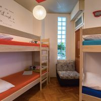 bed-in-10-Crazy-house-hostel-pula-2