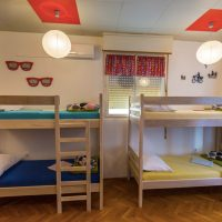 bed-in-10-Crazy-house-hostel-pula
