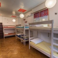 bed-in-10-Crazy-house-hostel-pula-4