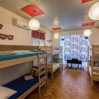 bed-in-10-Crazy-house-hostel-pula-5