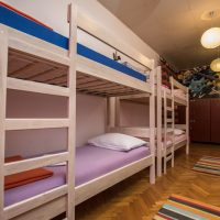 bed-in-8-crazy-house-hostel-pula