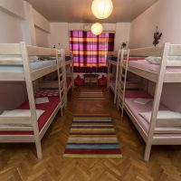 bed-in-8-crazy-house-hostel-pula-5