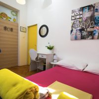 double-bed-Crazy-house-hostel-pula-2