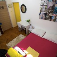 double-bed-Crazy-house-hostel-pula