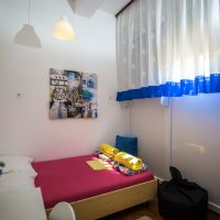 double-bed-Crazy-house-hostel-pula-3
