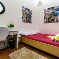 double-bed-Crazy-house-hostel-pula-4