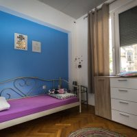 twin-room-crazy-house-hostel-pula-2