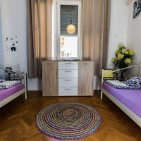 twin-room-crazy-house-hostel-pula